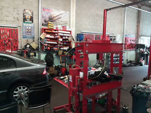 Automotive fully equipped shop -1 Hoist for Daily Rental