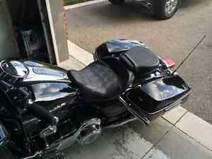 Looking for 2013 and up Harley-Davidson solo seat Cambridge Kitchener Area image 2