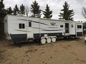 2012 Baypoint Park Model Trailer