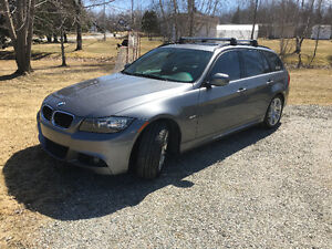 2011 BMW 328i Xdrive M Package touring