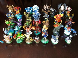 ABOUT 194 SKYLANDER FIGURES, ALL 6 XBOX 360 GAMES