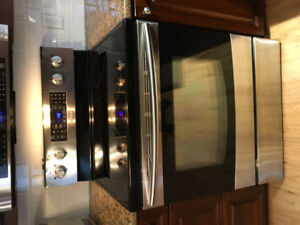 Samsung Electric Range with True Convection
