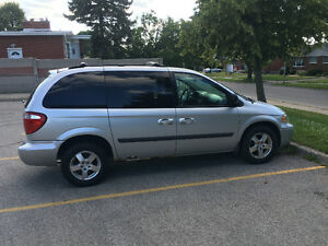 2007 Dodge Caravan sxt Minivan, Van