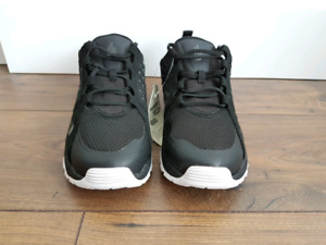 Women's Shoes - North Face - Size 10 - New