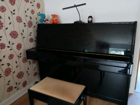 Excellent condition full key piano, stool,light, metronome and lots of