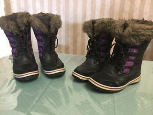 Ladies Boots size 5 & size 6  -  $10 each