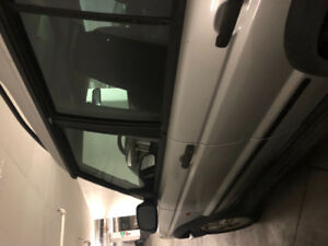 Land Rover Discovery 2003- Silver with black interior