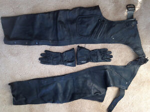 LADIES OR MENS CHAPS AND GLOVES
