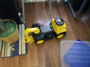 Children's ride on toy excavator truck (CAT)