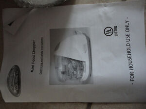 Brand new in box compact 1.5 cup electric food chopper London Ontario image 4