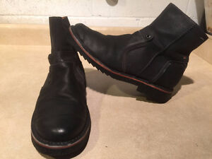 Men's Josef Seibel Leather Zipper Boots Size 9 London Ontario image 1
