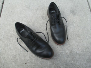 Camper Bowie Black/Brown Womens Oxford Shoes, Size 7