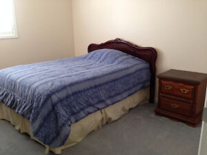 SINGLE FEMALE STUDENTS ONLY! -Room for rent