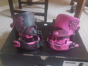 Women's Flow Minx Bindings - $80. Size L