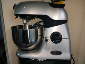 Beaumark mixer great for dough and so much more new