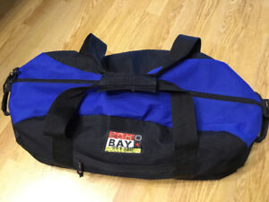 LARGE ECHO BAY COLLECTION DUFFLE BAG. EUC