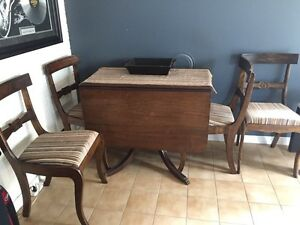 Beautiful Duncan Phyfe table and 4 chairs Peterborough Peterborough Area image 1