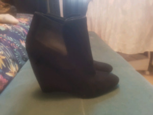 Womens Guess shoes size 8