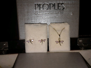 childs pink dragonfly earring and necklace set