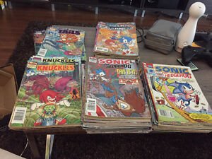 Various Sonic the Hedgehog and Knuckles the Echidna comics