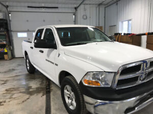 2011 Ram 1500 CREW CAB 4X4 ONLY 180,00 KMS $12,999.00