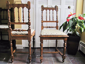 LATE 1800's SOLID OAK DINING ROOM TABLE & 6 CHAIRS Prince George British Columbia image 6
