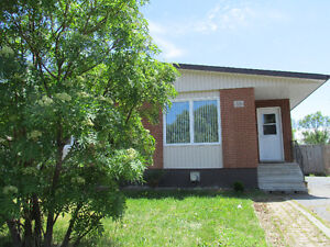 Rooms for students 900 meters from Confederation College