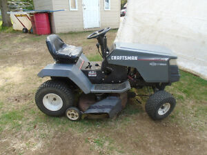 Tracteur CRAFTSMAN 13.5 HP 42`` de coupe