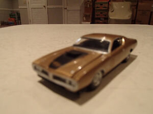 Loose Greenlight AUCTION BLOCK - 1971 '71 DODGE CHARGER R/T Gold Sarnia Sarnia Area image 7