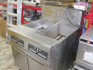 COMMERCIAL PROPANE FRYERS