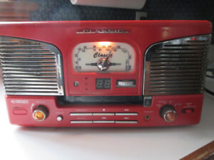 Curtiss Classic Retro Turntable with CD & Radio
