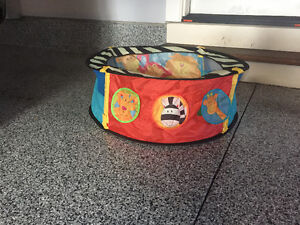 Baby Ball pit - excellent condition