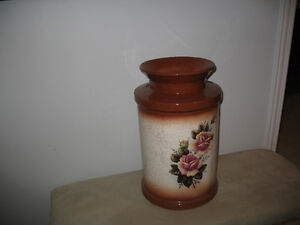 HAND PAINTED PORCELIN CREAM CAN
