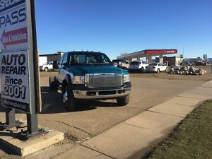 2005 Ford F550 6.0 Diesel 4x4 Cab and chassis.