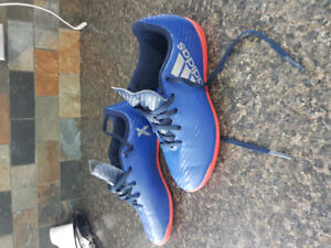 Youth Adidas Indoor Soccer Shoes