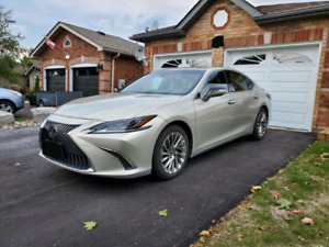 2019 Lexus ES300h Fully loaded, low mileage, very rare