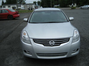 2010 Nissan Altima 3.5s, very good condition, only 142k.