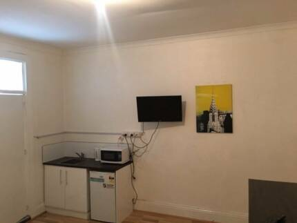 AFFORDABLE SELF CONTAINED ROOM FOR RENT