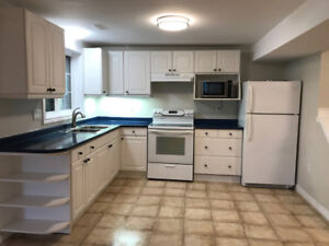 1 Bedroom Apartment Whitby - Minutes to 407/412