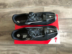 Specialized Expert Road Shoes: Like new, barely used $160