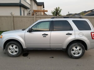 2011 FWD Ford Escape - Low Kilometres