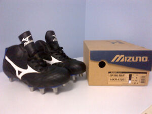 RUGBY CLEATS, MIZUNO SIZE 9
