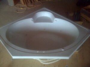 5 ft. Corner Whirlpool tub with seat $200!