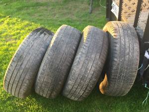 4 Pneus Michelin 225/65/r17 environ 6/32