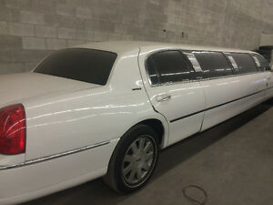 2004 Lincoln Town Car Limousine Other