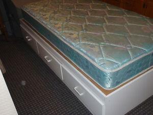 lit capitaine / Captain's Bed / Matlas lit simple inclus
