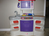 Little Tikes Gourmet Kitchen with Sounds.