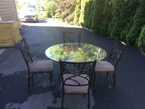 Glass Dining Round table and 4 chairs