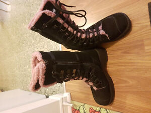 beautiful thinsulate boots for sale!!