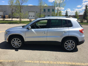2009 Volkswagen Tiguan 4Motion with Leather